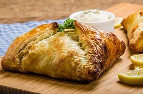 Fagottini di Pasta Sfoglia con Speck e Brie