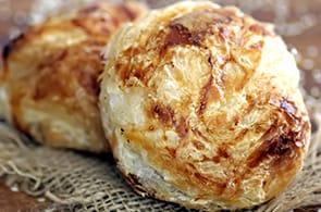 Fagottini di Pasta Sfoglia con Zucchine e Speck