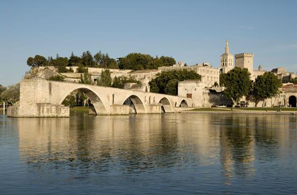 Avignone: tra Storia e Specialità Gastronomiche