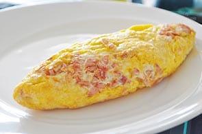Omelette con ricotta e prosciutto