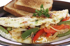 Omelette con peperoni e cipolle