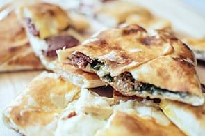 Pizza rustica tonno, brie e limone