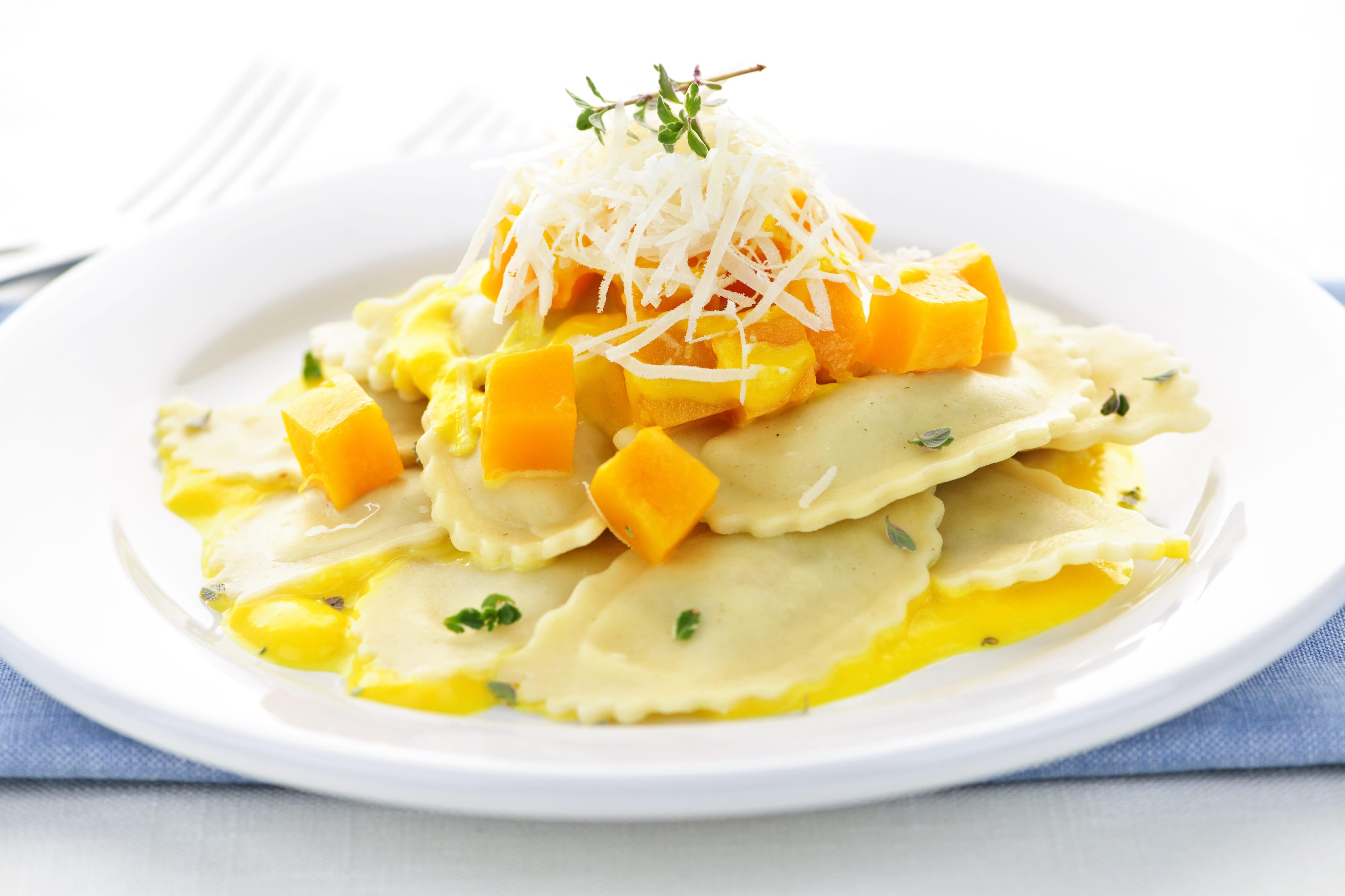 Ravioli ripieni di zucca e formaggio di capra