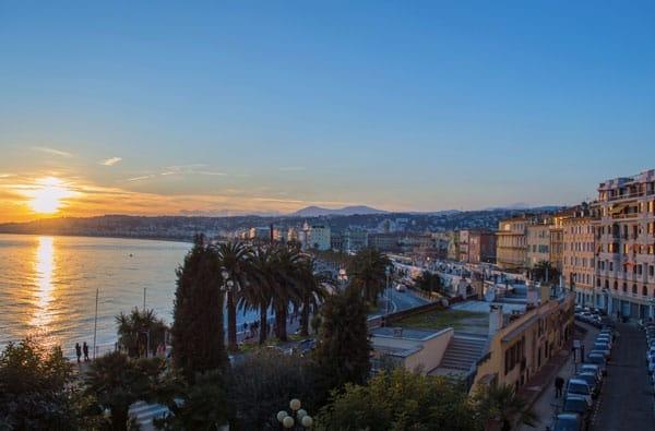 Costa Azzurra: Sole, Mare e Buon Cibo