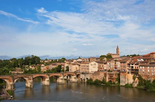Tolosa - la Capitale Culturale dell'Occitania tra Cucina e Arte
