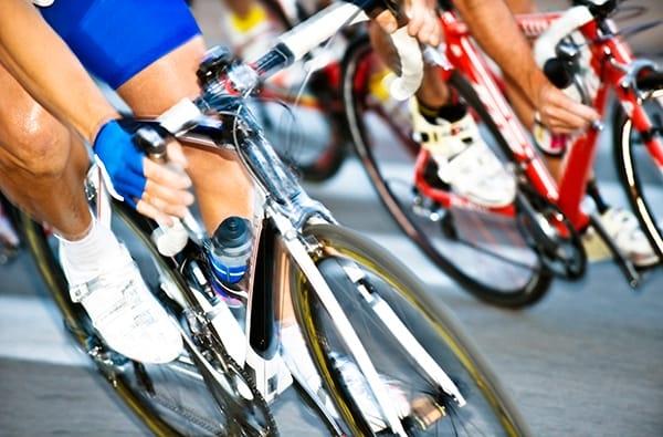 Tour de France: Corsa in Bicicletta tra Paesaggi e Piatti Gustosi