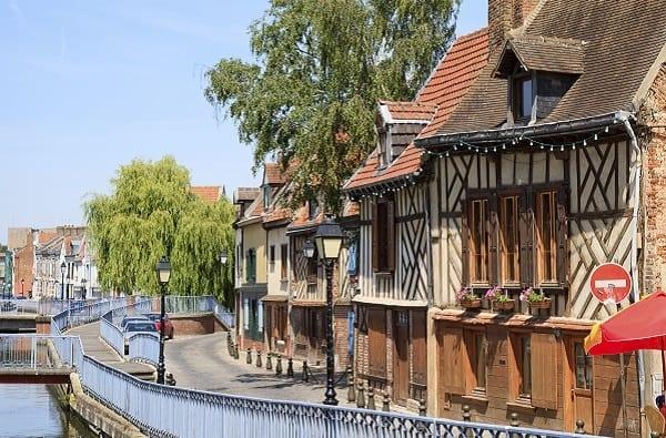 Viaggio Culinario ad Amiens: Storia e Pietanze Tipiche