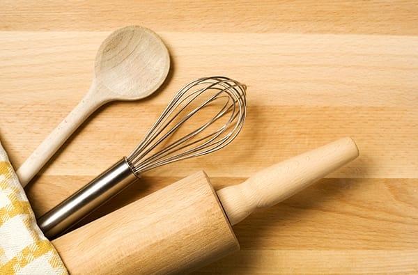 strumenti e accessori indispensabili in una tipica cucina