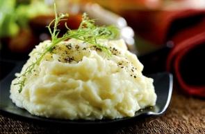 Aligot - Il Piatto Tipico a Base di Formaggio Francese e Patate