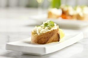 Crostini e camembert in padella