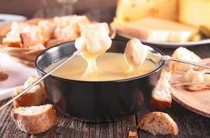 Quinta Tappa nella Cucina Francese: Origine della Fonduta