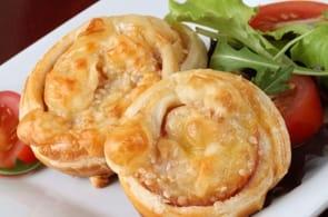 Girelle di Sfoglia con Patate e Prosciutto