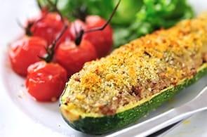 Zucchine ripiene speck, brie e uova