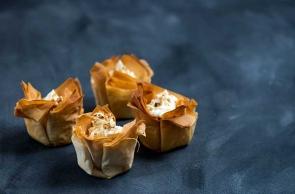 Fagottini di Pasta Sfoglia Ripieni con Formaggi Francesi