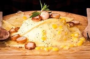 Omelette con salsiccia e brie